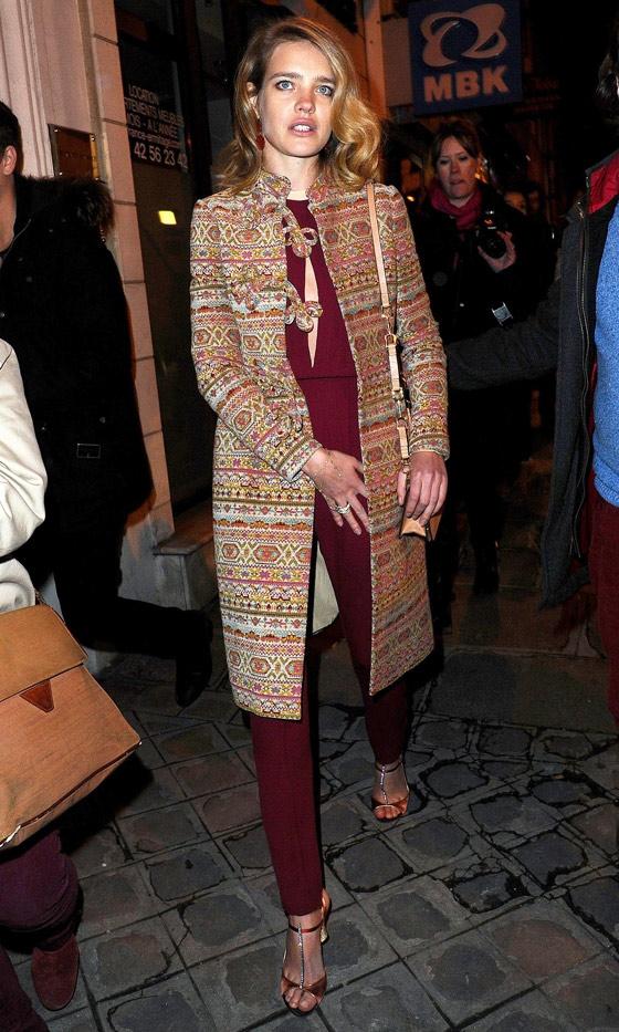 20130123Natalia+Vodianova+Arrives+Valentino+SS2013+Haute+CoutureLookCoUK01