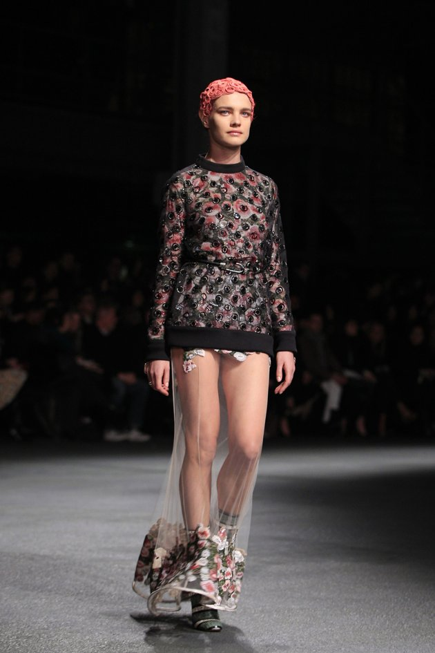 20130303GivenchyFW2013-14ShowYahooNews01