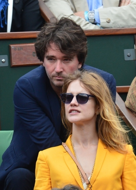 Antoine-Arnault-et-Natalia-Vodianova-a-Roland-Garros-a-Paris-le-2juin-2013_portrait_w858