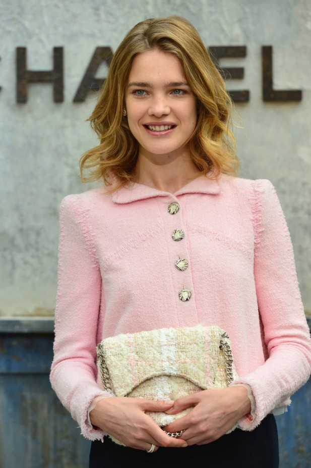 20130702Natalia+Vodianova+Chanel+Front+Row+Paris+Fashion+33TL9m8j5o0x
