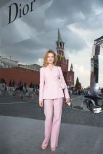 20130709Natalia+Vodianova+Dior+Cocktail+Event+Moscow+3GiPflJrnzax