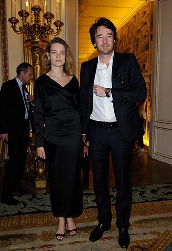 20130716Bono-recoit-un-nouveau-titre-honorifique-a-Paris-le-16-juillet-2013_portrait_w674