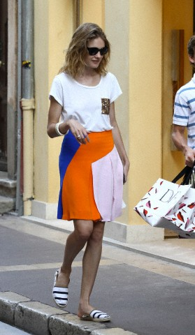 Natalia Vodianova on vacation with her family in St tropez